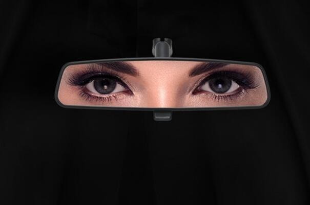 神作海报,庆祝沙特解禁女性驾驶